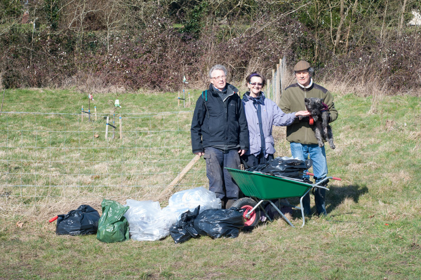 Small litter pick team