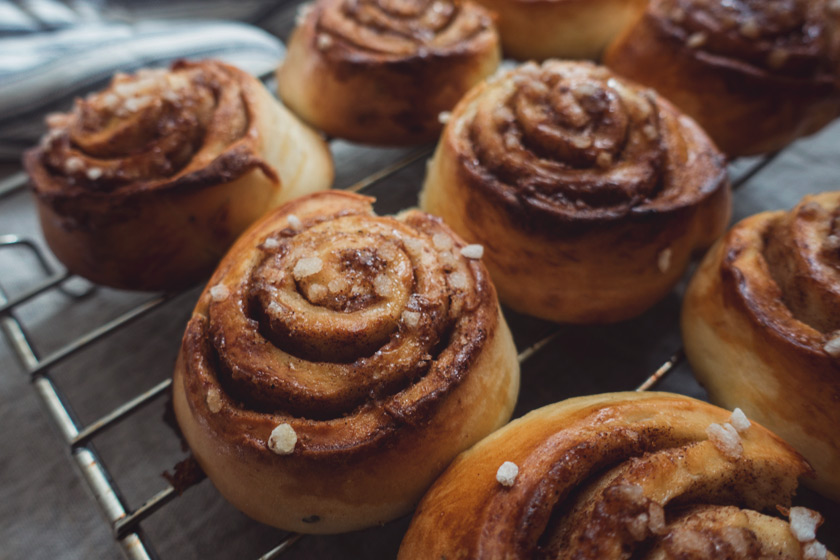 Cinnamon rolls on rack
