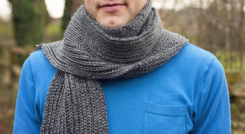 Grey ribbed scarf