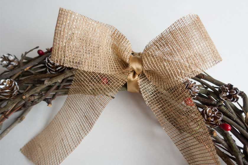 Gold hessian bow