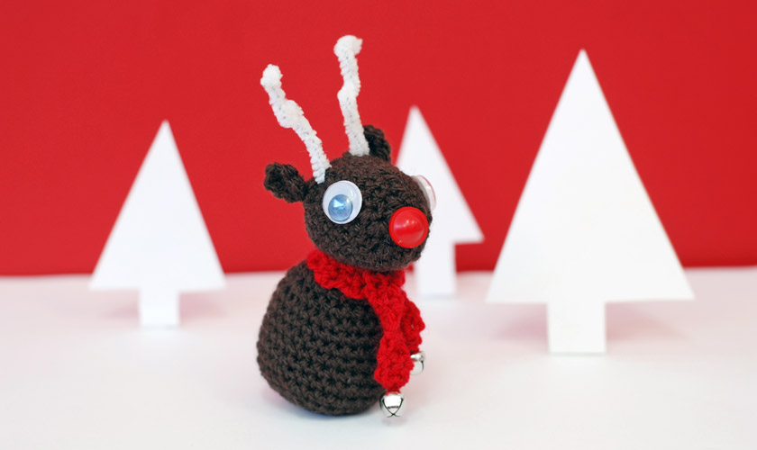 Crochet reindeer with button nose