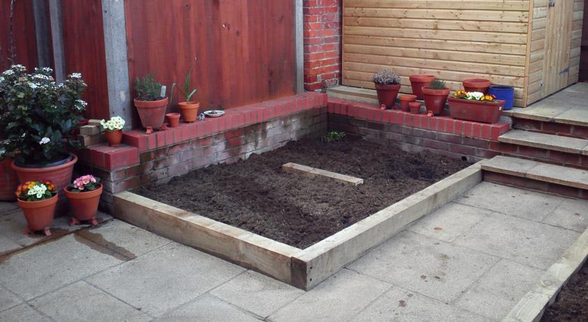 Raised vegetable bed