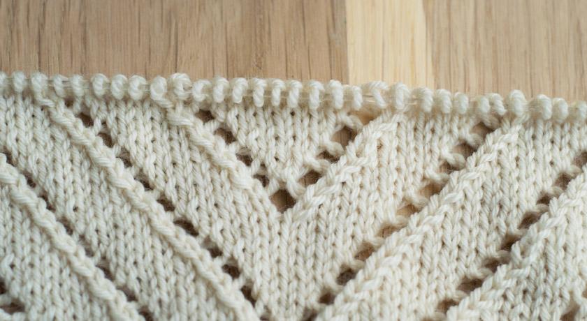 Triangel scarf stitch detail