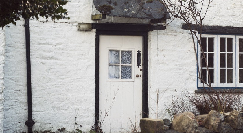 White Cornish cottage