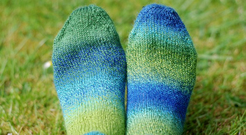 Toe detail on knitted socks