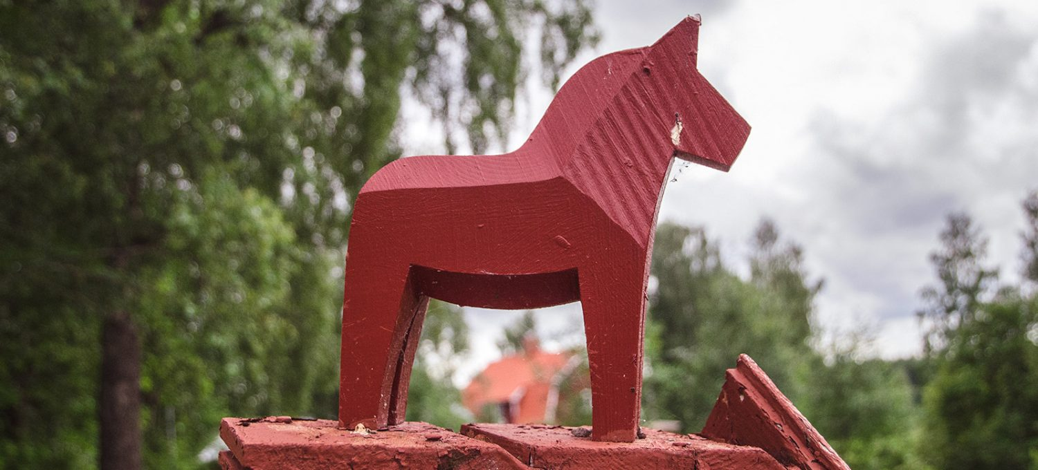 Red wooden dala horse