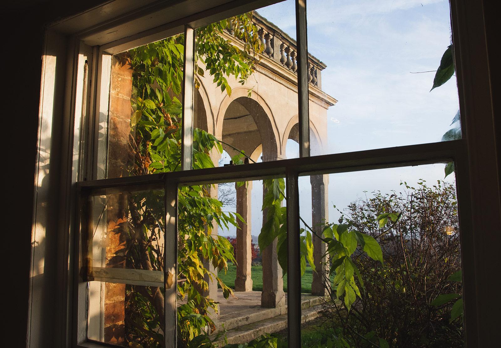 Building pillars through window