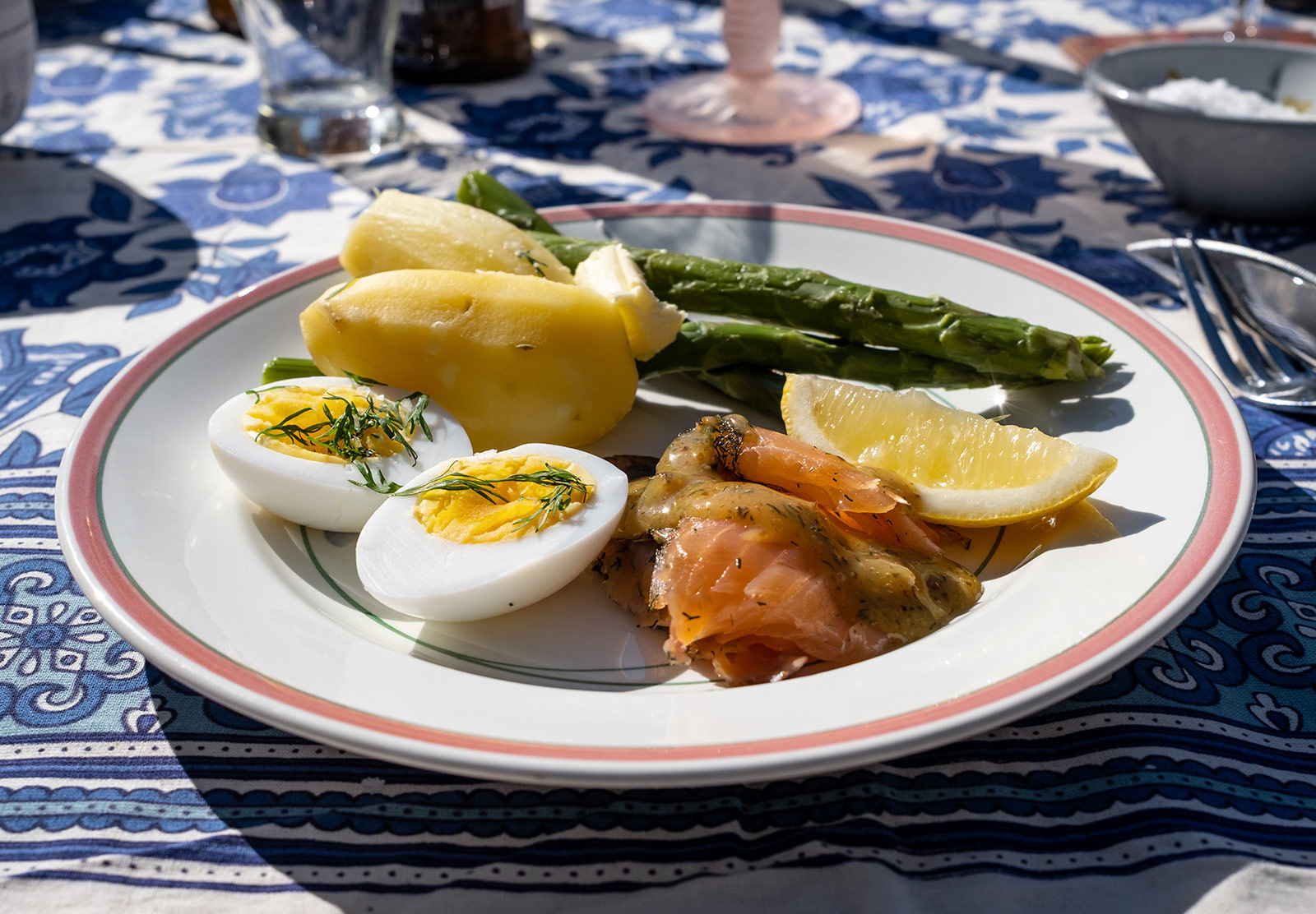 Salmon, potato, eggs and asparagus