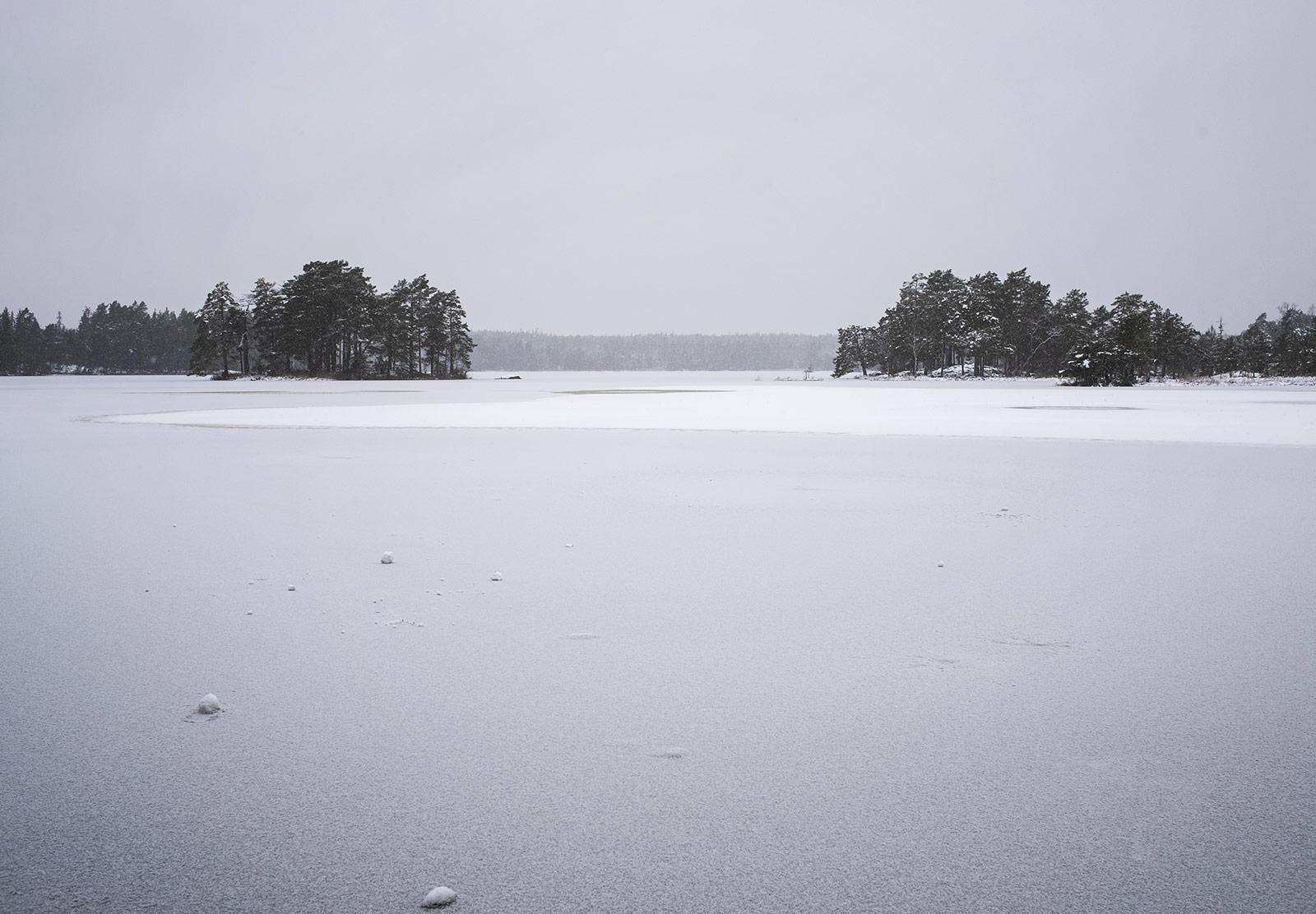 Frozne lake
