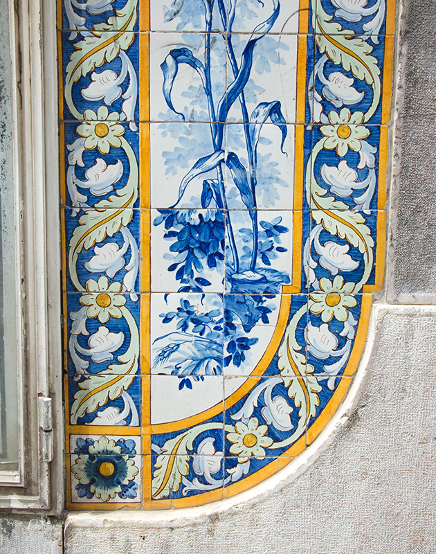 Traditional painted tiles