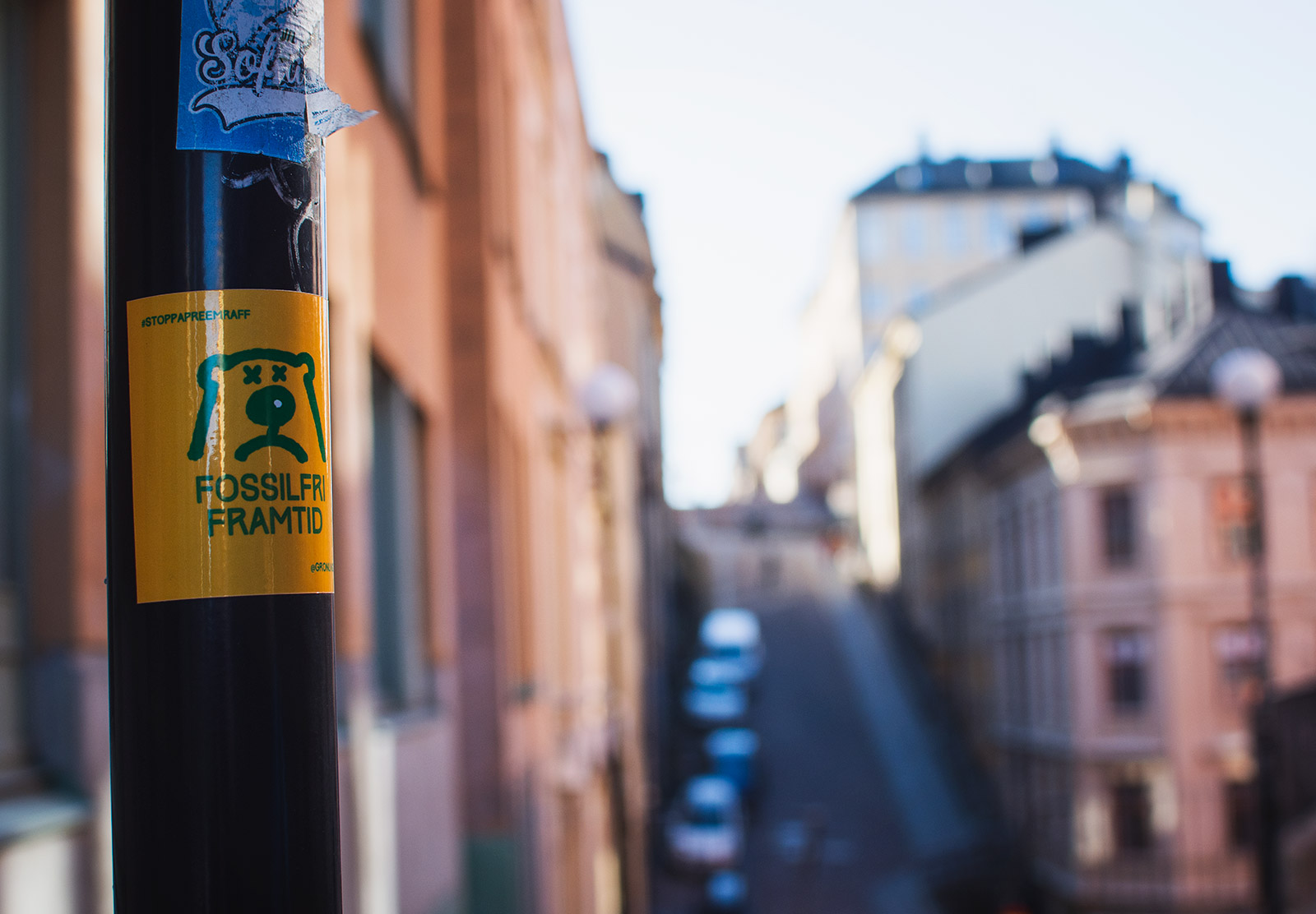 Climate sticker on lampost
