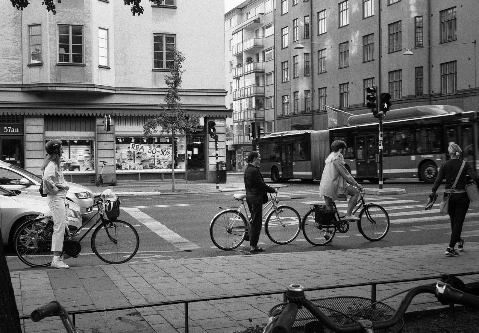 Queueing cyclists