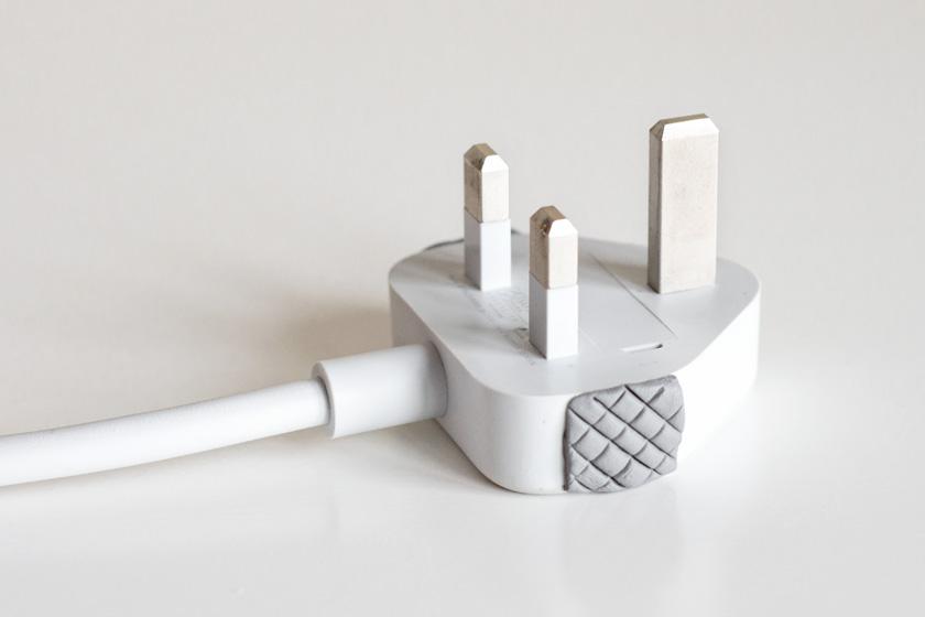 DIY plug grip