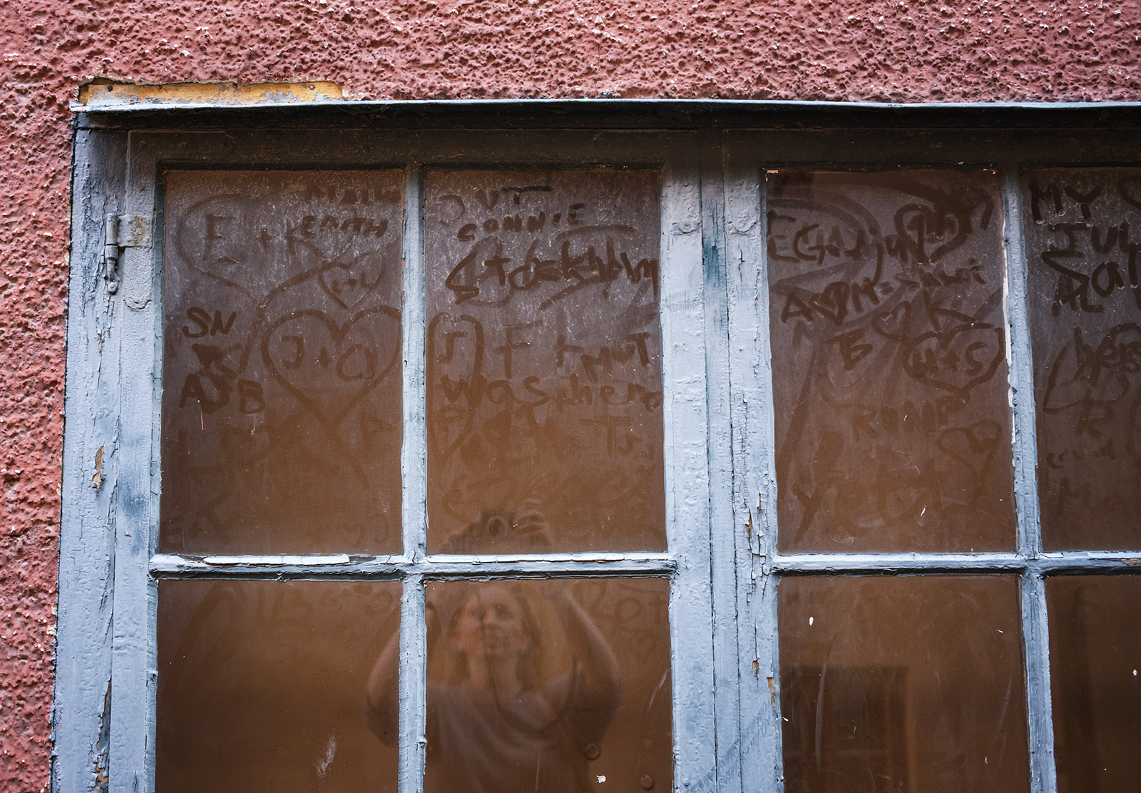 Writing on dirty window
